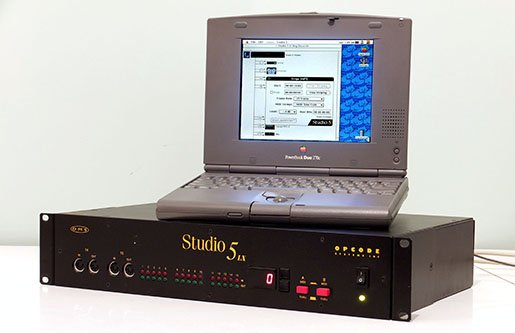 Opcode Studio 5 SMPTE/MIDI synchroniser generating timecode with an Apple PowerBook Duo