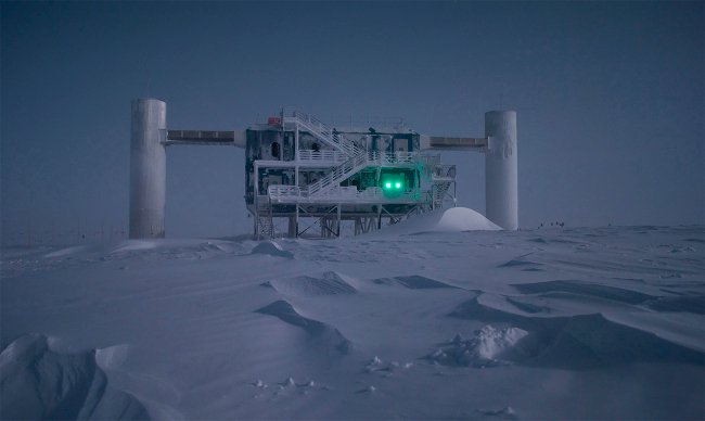 IceCube Lab by moonlight