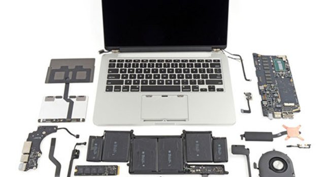 Photo of the 13-inch MacBook Pro with Retina Display, disassembled
