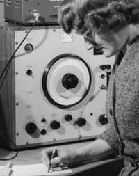 Daphne Oram with a B&K wobulator