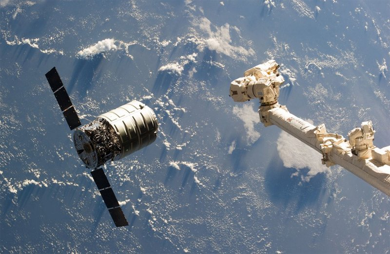 Cygnus approaches the ISS in September 2103