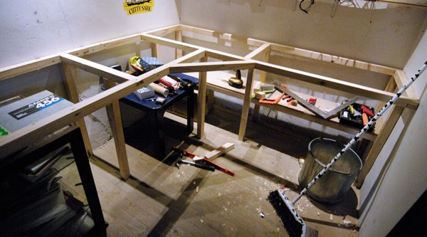 The frame of the workbench during construction
