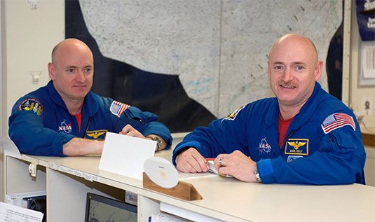 Photograph of identical twin astronauts Scott and Mark Kelly