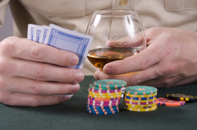 Jugadores tramposos de póquer utilizan spyware para espiar a sus contrincantes