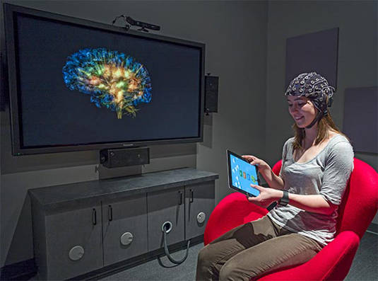 GlassBrain being demoed inside UCSF's Neuroscape Lab