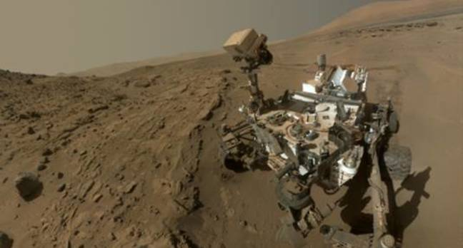 Curiosity looking good on first Martian birthday