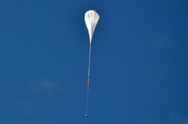 The LDSD under it helium balloon shortly after launch. Pic: NASA/JPL-Caltech