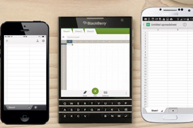 Comparison of BlackBerry Passport with rectangular phones