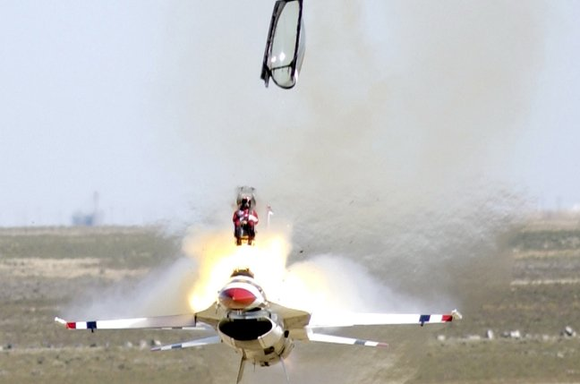 Ejection_seat