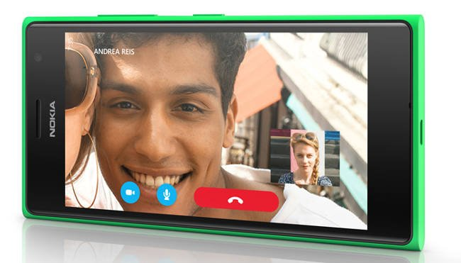 Nokai Lumia 735 showing Skype chat