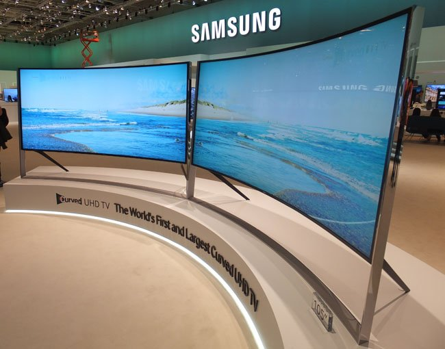 Samsung UE105S9 5K 105-inch curved TV