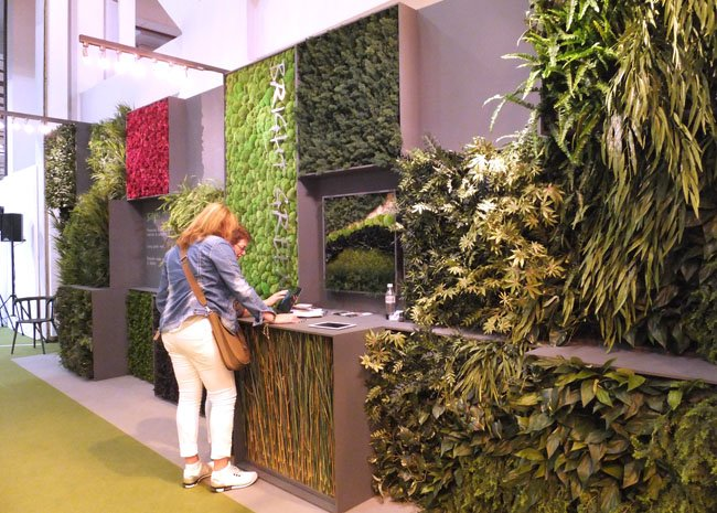 Bright Green produce mix of living and artificial walls