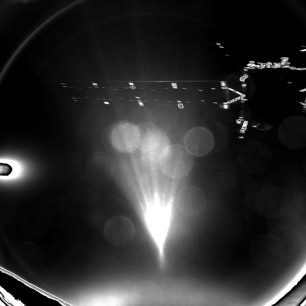 Philae snaps Rosetta spacecraft seconds after it releases for its descent to Comet 67P