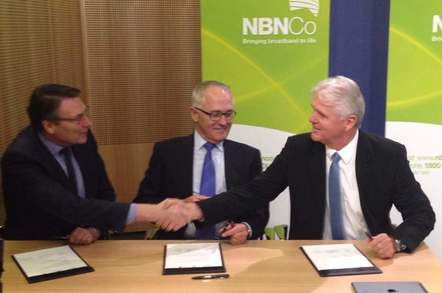 David Thodey, Malcolm Turnbull and Bill Morrow sign NBN agreements