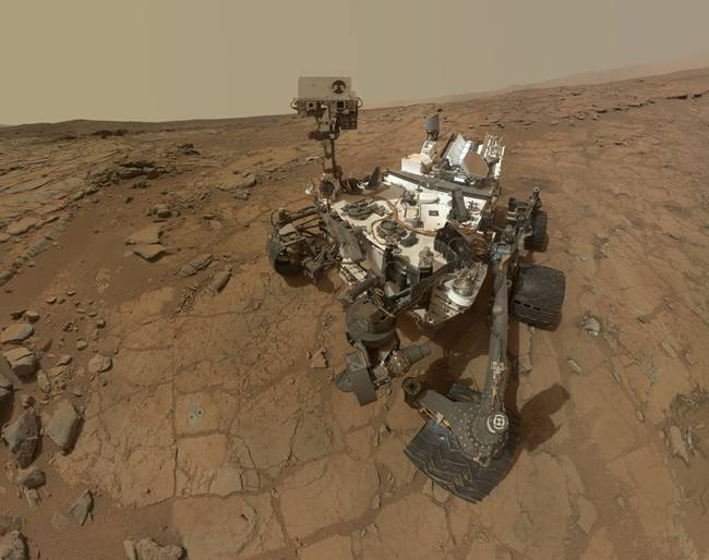 Curiosity selfie as it drills for water