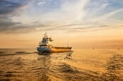 shutterstock_183801788_container ship