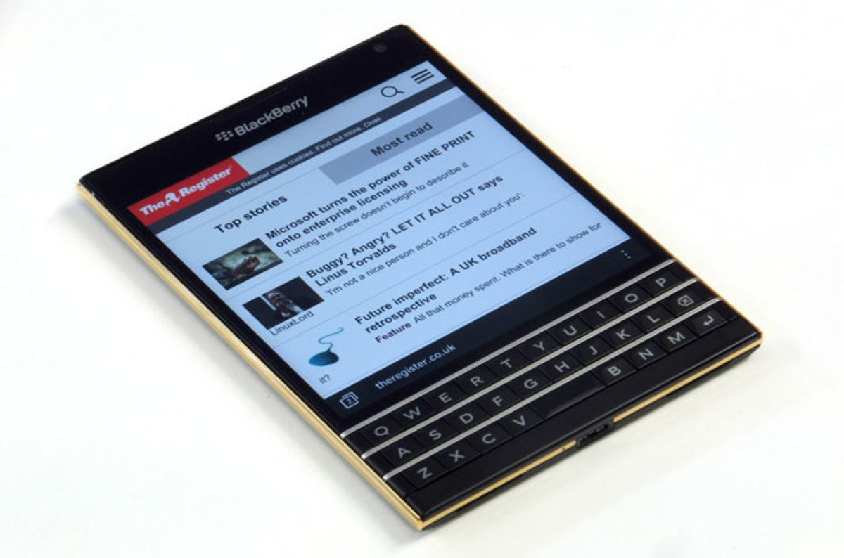 photo image BlackBerry admits dying BB10 is in pain