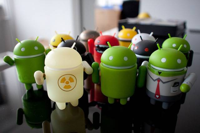Android figure desktop toys