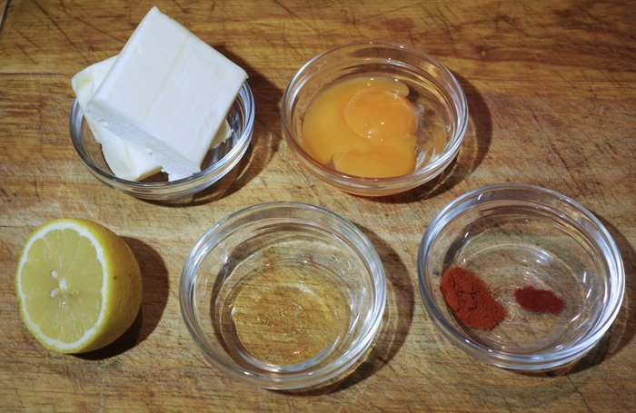 The ingredients required to make hollandaise sauce
