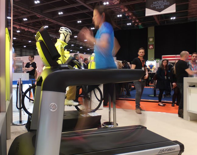 Champion runner Jo Pavey demos the SMS Audio Biosport