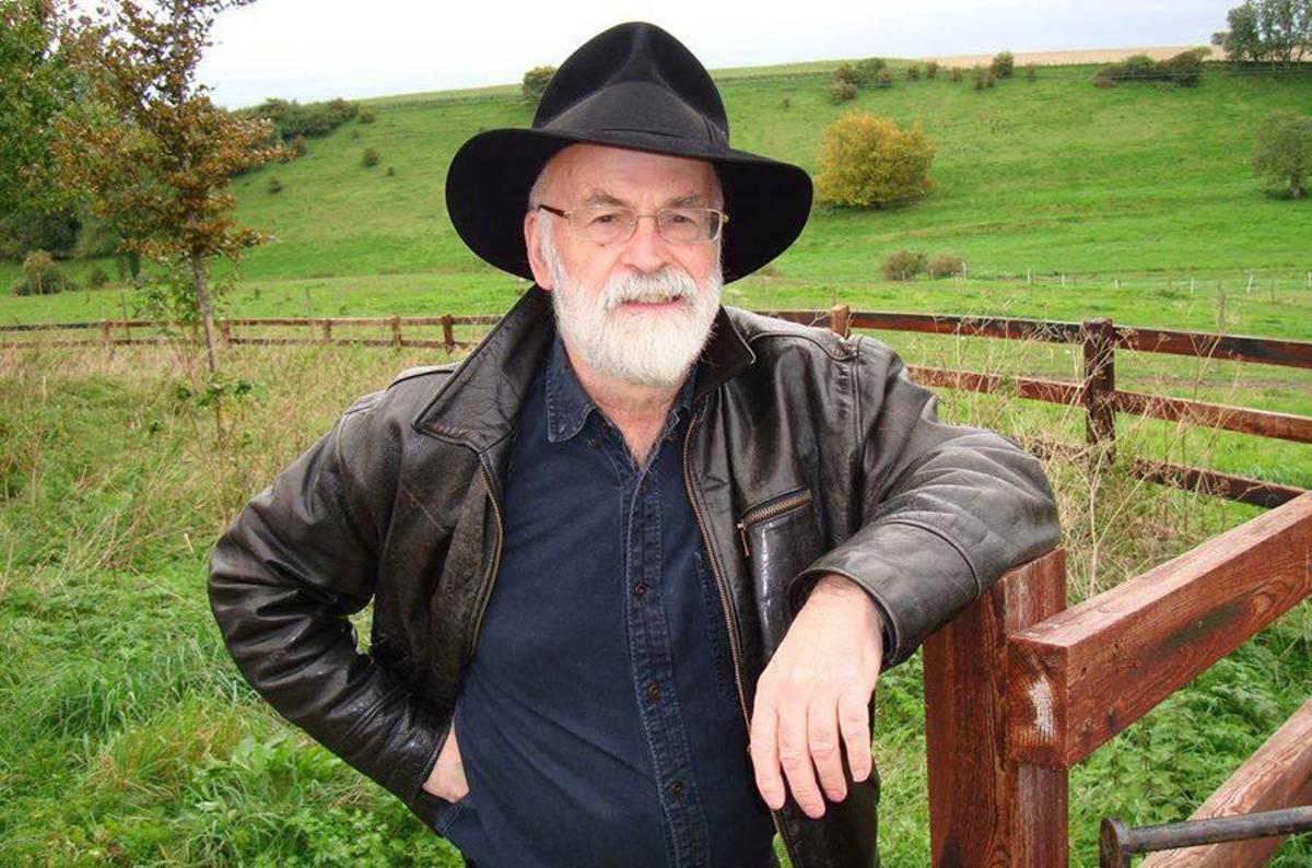 Rip Sir Terry Pratchett Discworld Author Finally Gets To