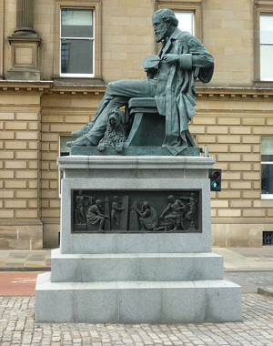 James Clerk Maxwell Monument photo Kim Traynor