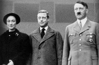 Andrew Morton, 17 Carnations: The Windsors, the Nazis and the Cover-Up book cover