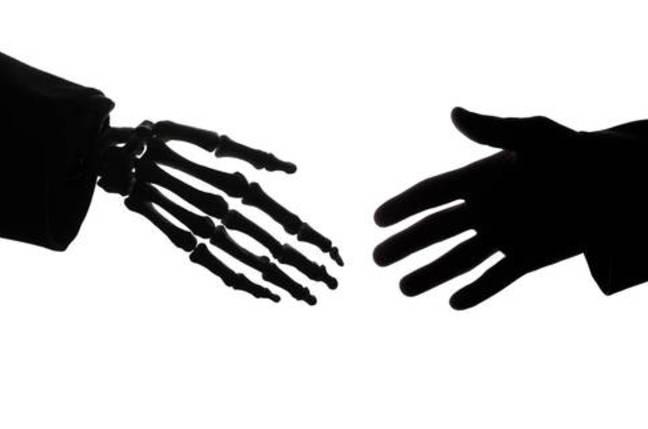 handshake_876987y.jpg?x=648&y=429&crop=1