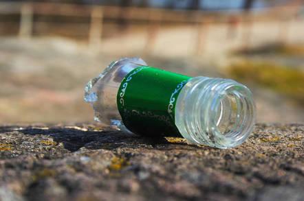 Broken bottle by https://www.flickr.com/photos/veisto/ CC 2.0