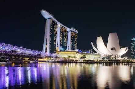 Marina Bay hotel singapore. By https://www.flickr.com/photos/leonid_yaitsky/