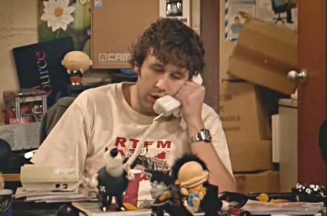 """IT Crowd's Roy: """"Have you turned it off and on again?"""""""