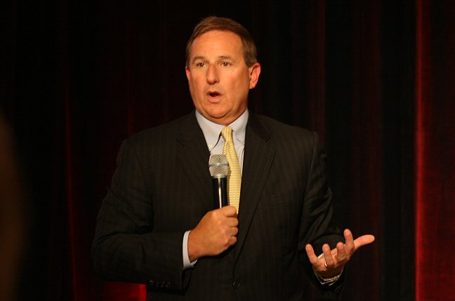 photo of Oracle's Mark Hurd hits pause as co-CEO, says he needs time to deal with health issues image