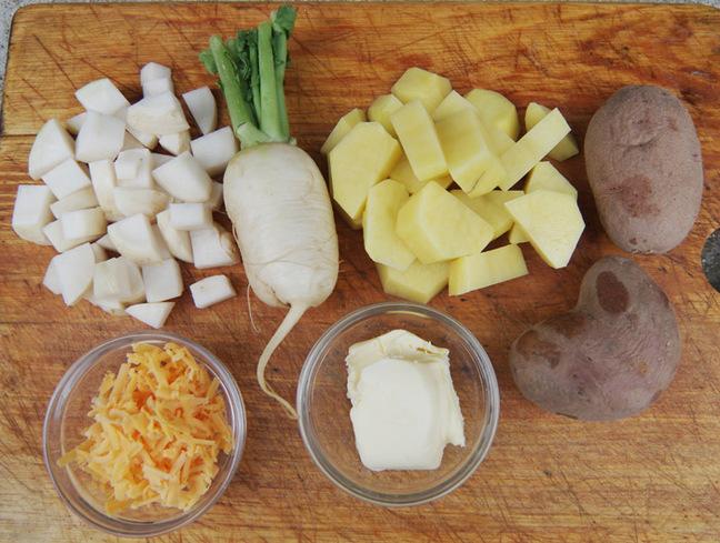 The basic ingredients for rumbledethumps