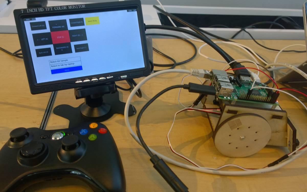 Windows 10 powering a Raspberry Pi 2 robot
