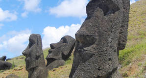 Easter_Island_Monoliths