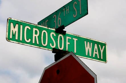 One Microsoft Way by https://www.flickr.com/photos/36182550@N08/ CC 2.0 attribution https://creativecommons.org/licenses/by/2.0/ cropped to 648-432
