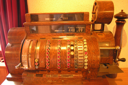 antique_cash_register_648