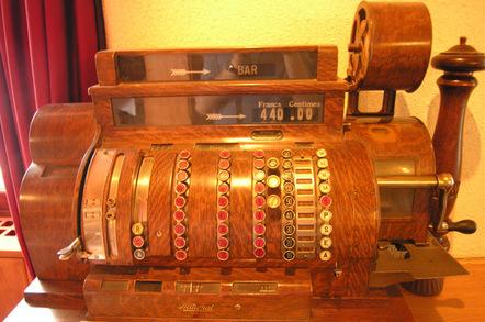 antique_cash_register_648