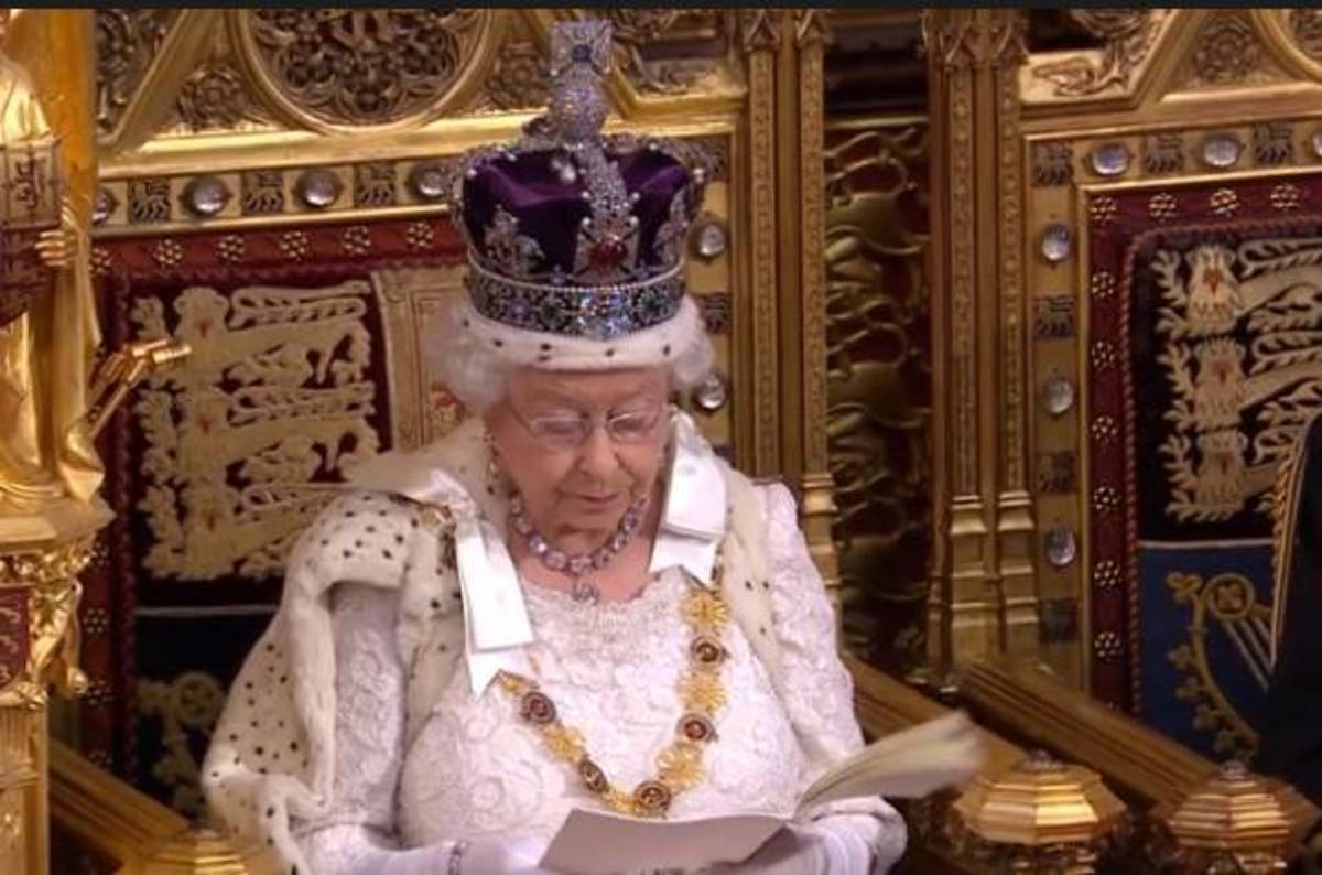 Investigatory Powers Act Signed Into Uk Law By Queen The