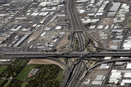 Stack_road_interchange_in_Phoeniz_AZ