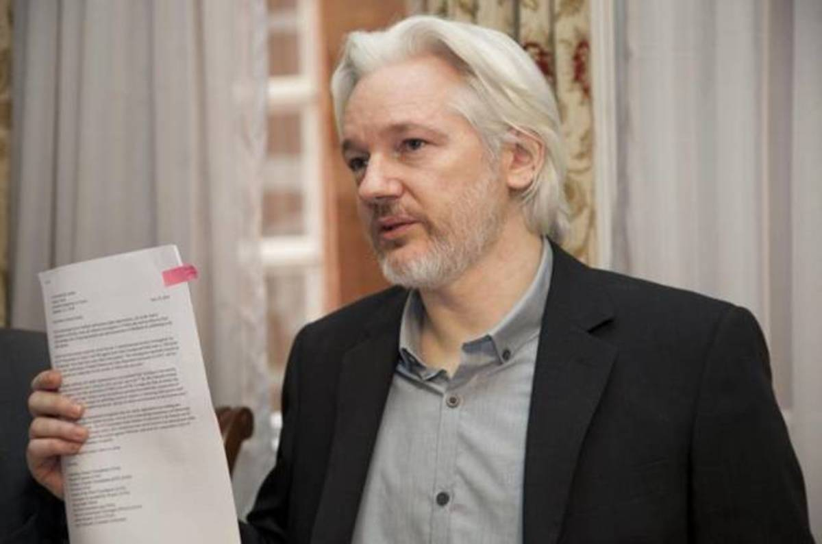 UK and Ecuador working on Assange escape mechanism