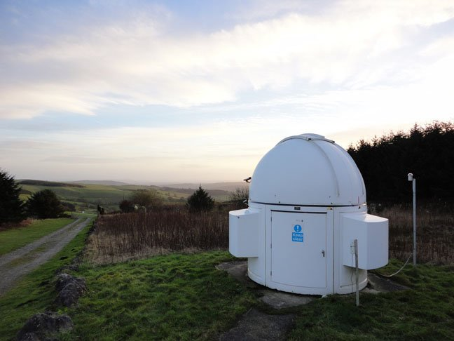Telescope outbuilding Spaceguard Center, photo: SA Mathieson