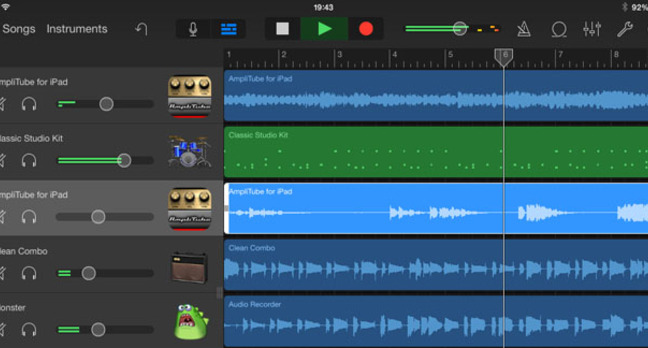 IK Multimedia AmpliTube on GarageBand