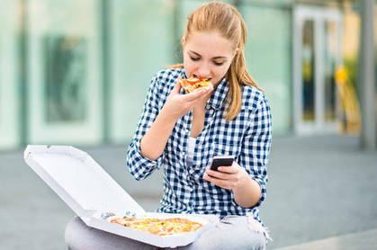 shutterstock_225964027-pizz