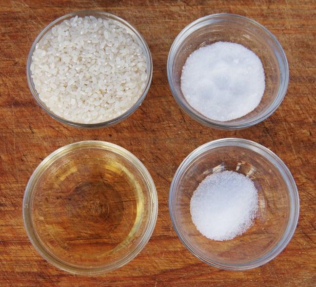 The ingredients to make sushi rice