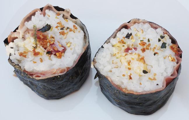 The finished makizushi bacon and egg sushi