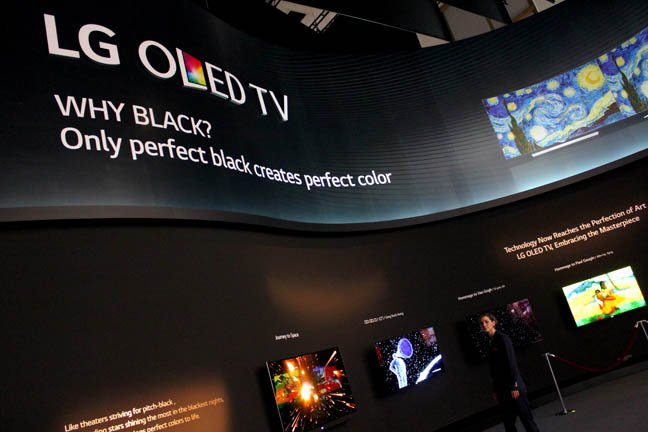 4K or not 4K? LG's OLED TVs show off artworks at IFA 2015