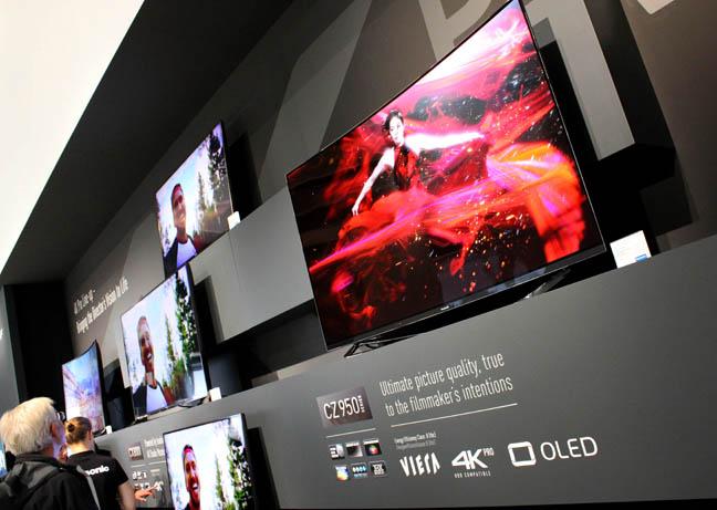 Panasonic TX-65CZ950 OLED TV
