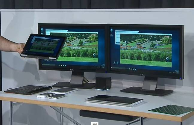 Intel shows wireless connection to dual displays