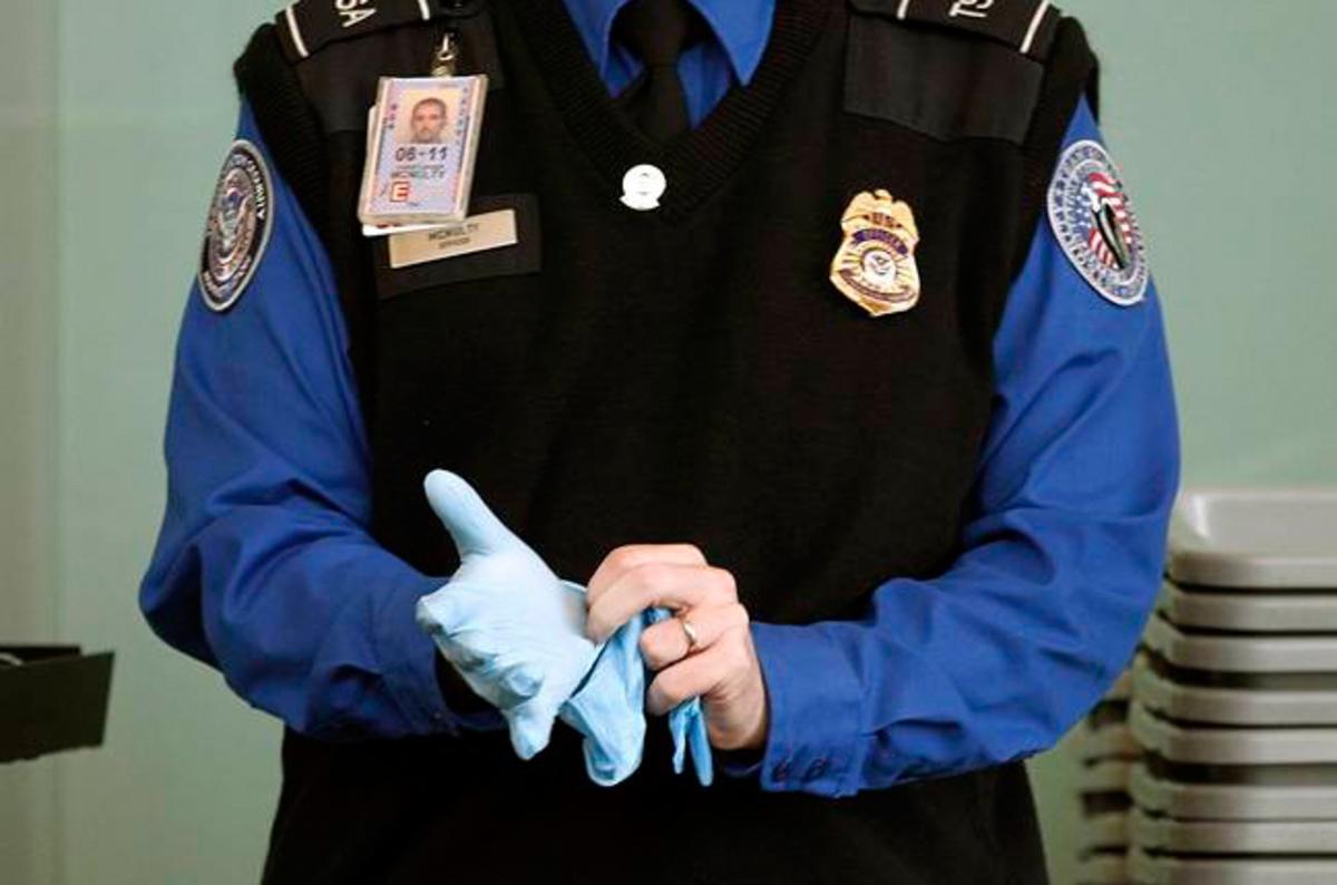 photo image Confirmed: TSA bans gear bigger than phones from plane cabins